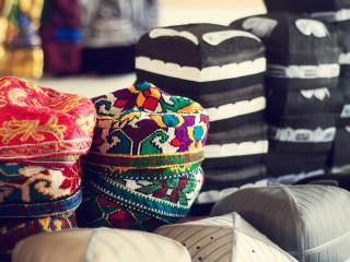 В продаже тюбетейки из Узбекистана