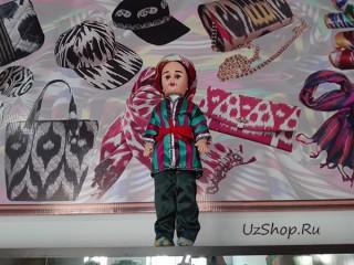 Сувенирная кукла: малыш в узбекском чапане